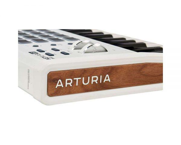 arturia keylab mkii 61 white 12