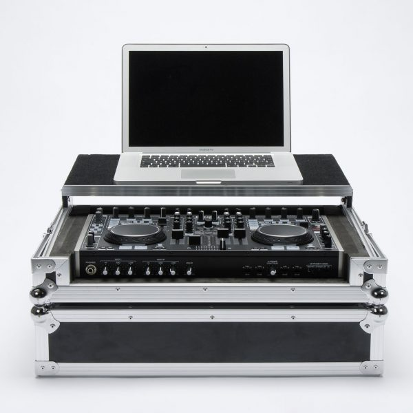 dj controller workststion mc 6000 frontal 2