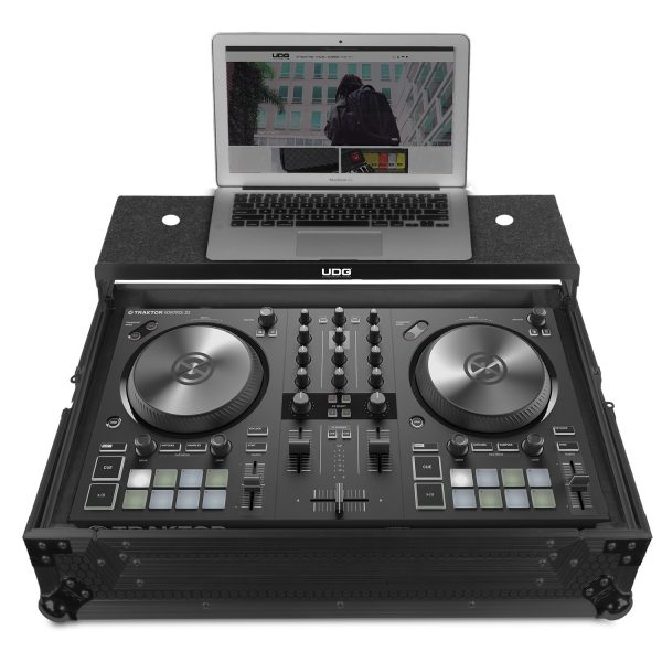 U91062BL - ULTIMATE FLIGHT CASE NI TRAKTOR KONTROL S2 MK3 BLACK PLUS (LAPTOP SHELF)