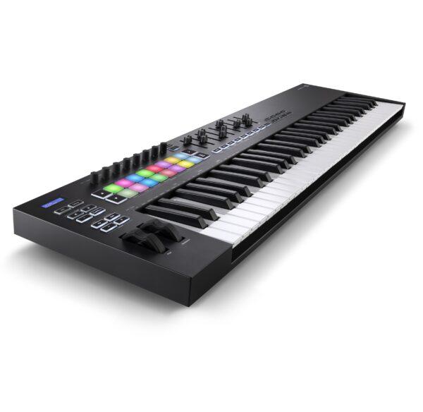 AUDIOIBIZA TECLADO MIDI NOVATION LaunchKey 61 3quart left HR scaled